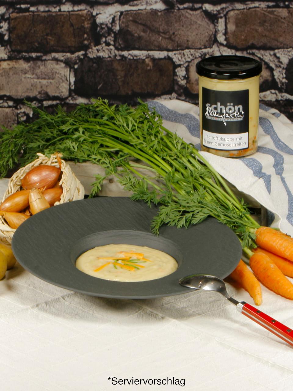 Kartoffelsuppe mit feinen Gemüsestreifen